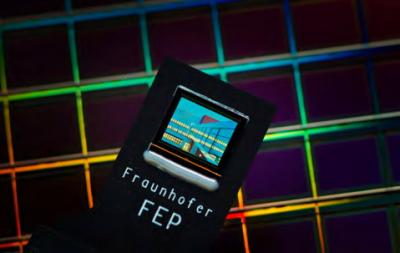 Fraunhofer SVGA bi-directional OLED microdisplay photo