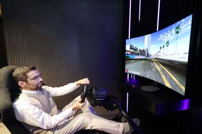 LG Dispaly 48-inch bendable gaming OLED monitor (CES-2021)