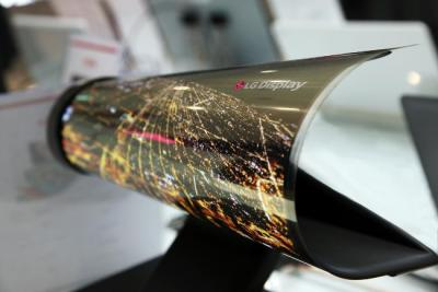 LGD 18'' rollable OLED prototype (CES 2016)