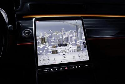 Mercedes Benz 12.8'' OLED screen in the 2021 S-Class