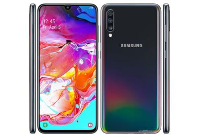 Samsung Galaxy A70 photo