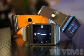Samsung Galaxy Gear photo