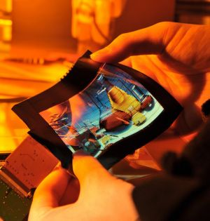ITRI 6'' flexible color AMOLED photo