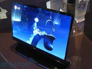 LG 15'' OLED at CES 2009 image