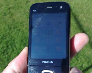 Nokia N85 prototype in direct sunlight photo