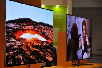 Samsung OLED TVs at SID 2012